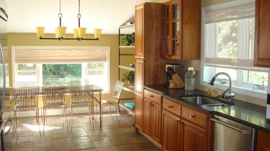 Erie pa vacation rental for Kitchen cabinets erie pa